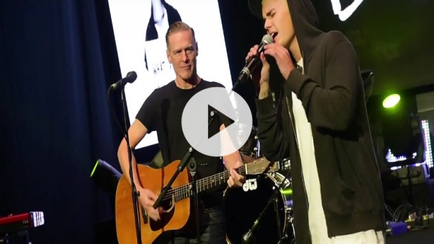Video: Justin Bieber og Bryan Adams synger duet
