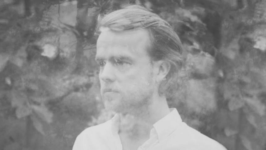Troels Abrahamsen går solo i nyt akustisk projekt