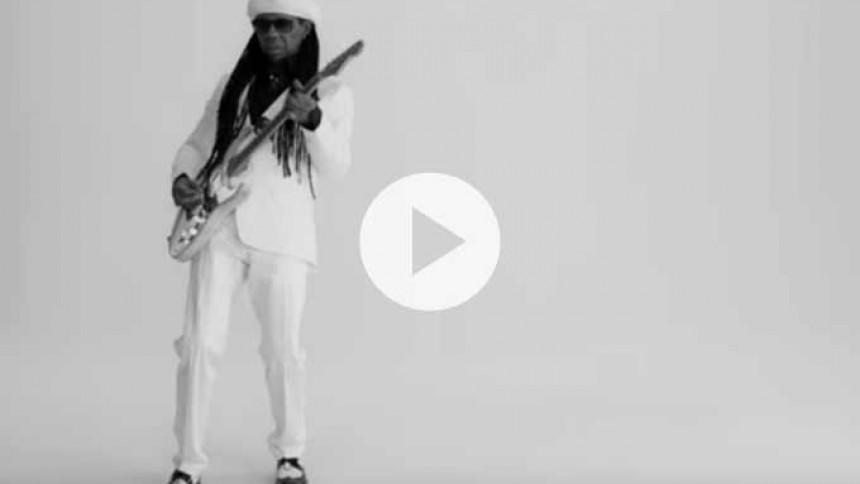 Video: Se Nile Rodgers spille sang skrevet af Basim og Cutfather