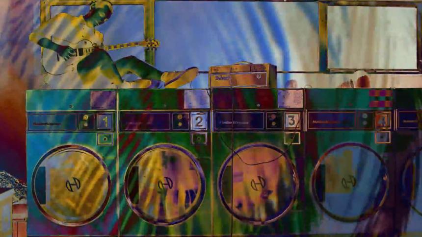 Videopremiere: Turquoise Sun forvandler møntvaskeri