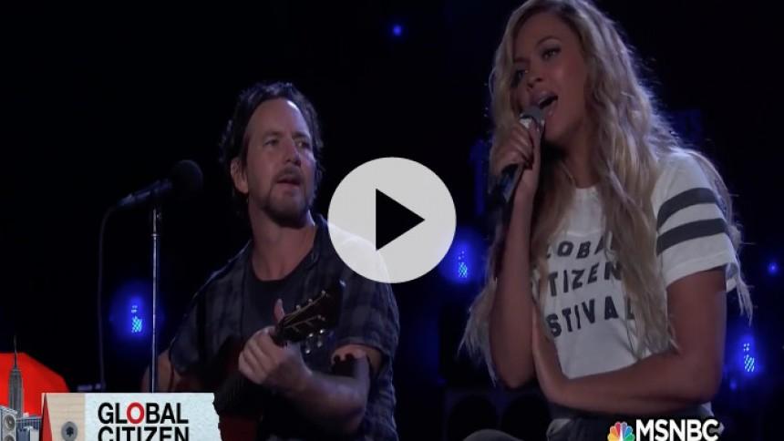 Se Eddie Vedder og Beyoncé synge Bob Marley