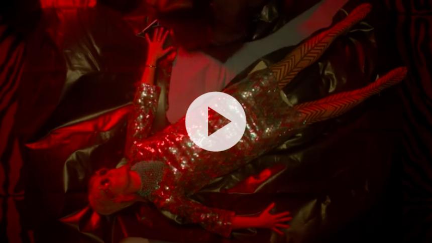 Se Róisín Murphy i bar-drama i ny musikvideo