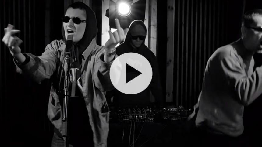 Video: Emil Stabil gir ik' en fuck i live-session