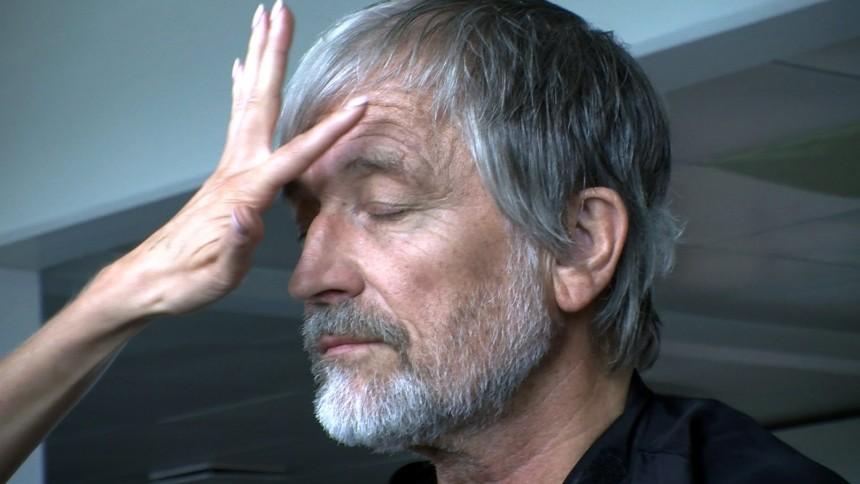 Lars H.U.G.: Smerteligt herligt tæt på