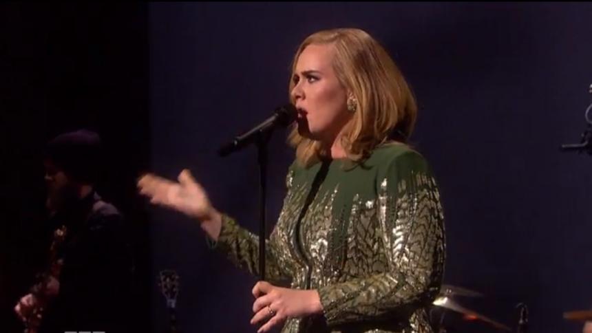 Adele slår amerikansk salgsrekord