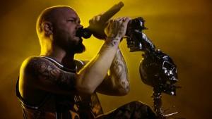 Five Finger Death Punch + Papa Roach Tap1 061115