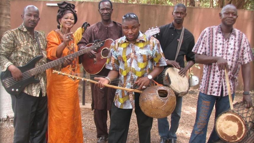 Supersangerinde fra Mali gæster Danmark