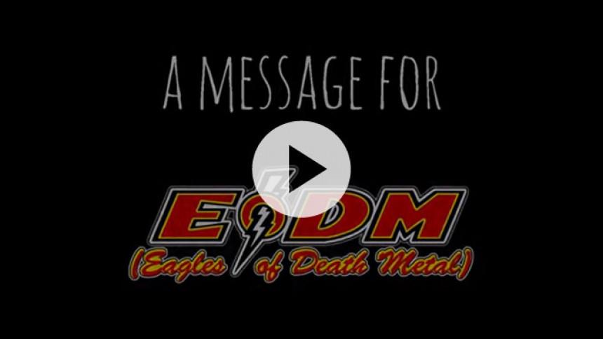 Fans sender rørende støttevideo til Eagles Of Death Metal
