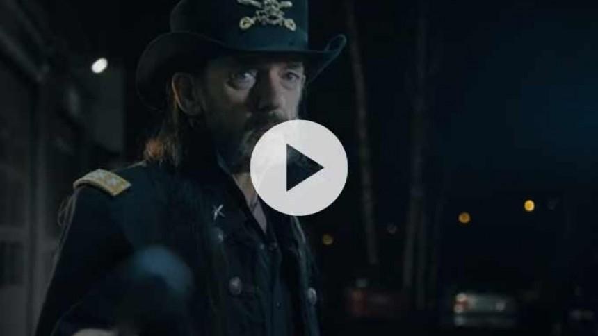 Se svækket, men veloplagt Lemmy i finsk reklame for mælk