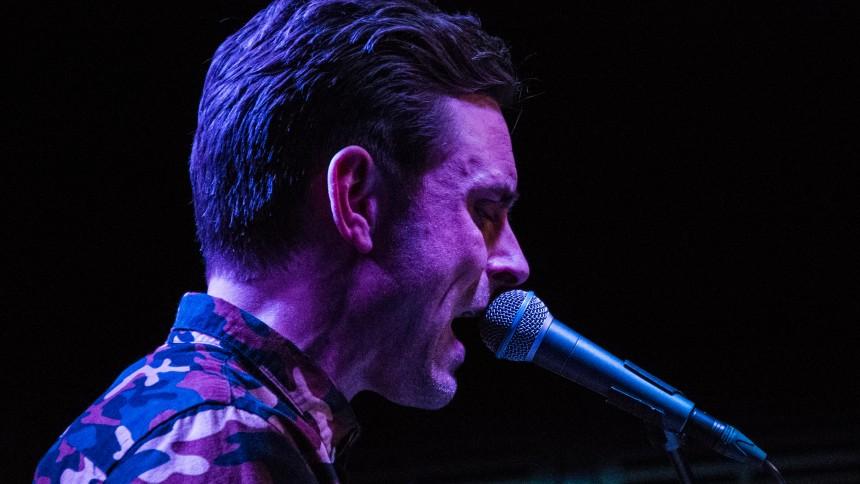 Reportage: Simon Kvamm viser sin inderste kerne på solotour
