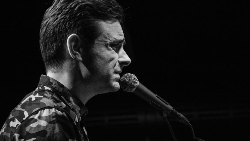 Simon Kvamm indtager Ragnarock med soloprojekt