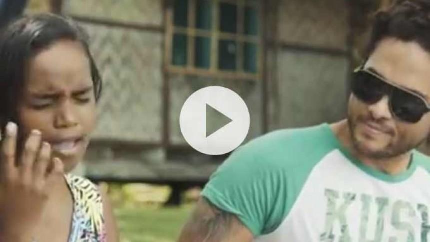 14-årig pige forvandler Adeles Hello til fede reggaerytmer