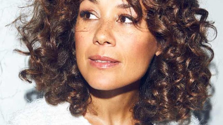 Camille Jones udgiver i dag personligt popalbum