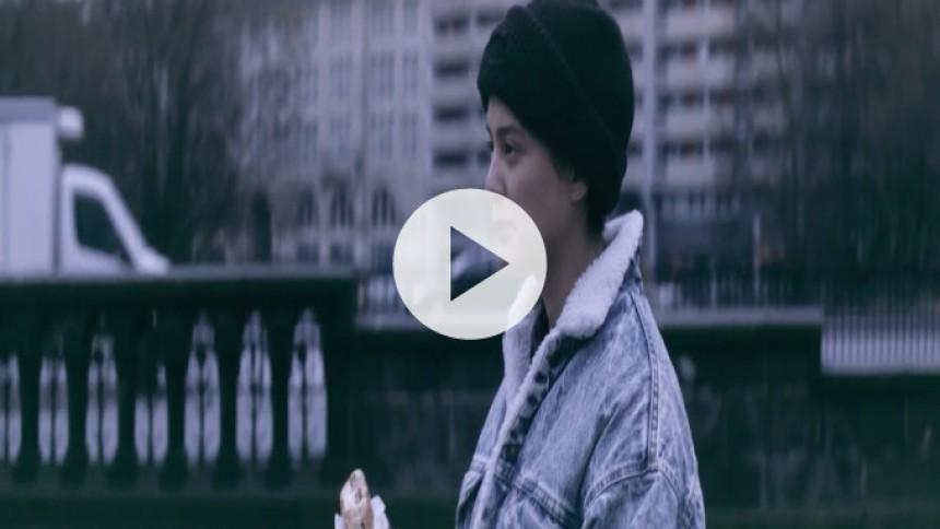 Alexander Brown udgiver æstetisk flot 360 graders one-take video