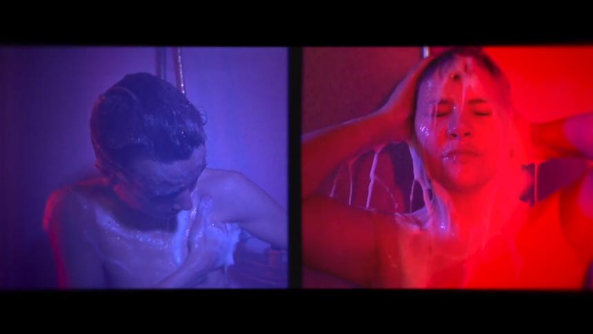 Musikvideo-premiere: Dance With Dirt giver en fredshilsen