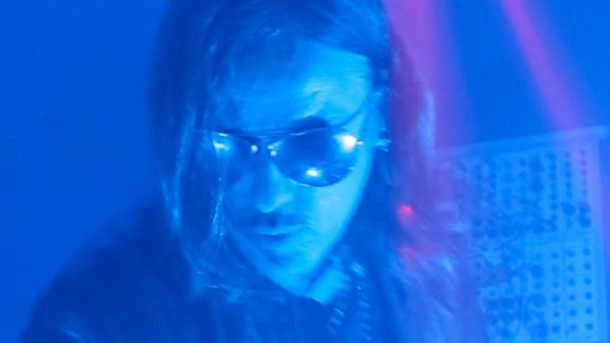 Guns N' Roses' tidligere keyboardspiller undskylder kommentar om bandet
