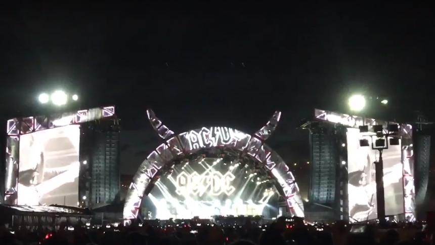 Rock or bust? Se AXL/DC spille Back In Black live for første gang