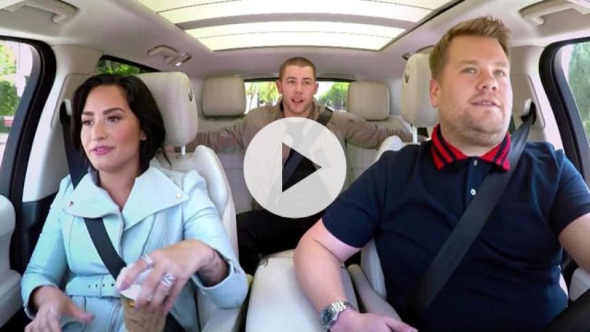 Demi Lovato og Nick Jonas indtager passagersæderne til James Cordens carpool