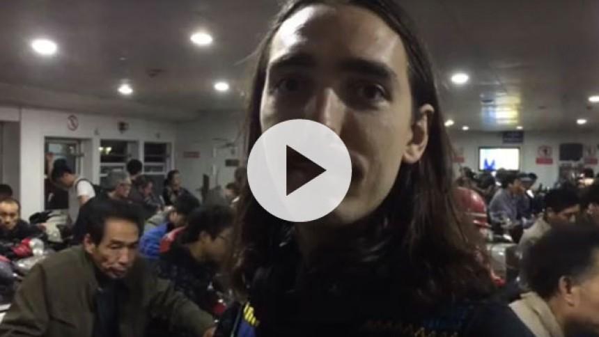 Videodagbog: Antonio Gram på turné i Kina – de eneste blegfise på færgen