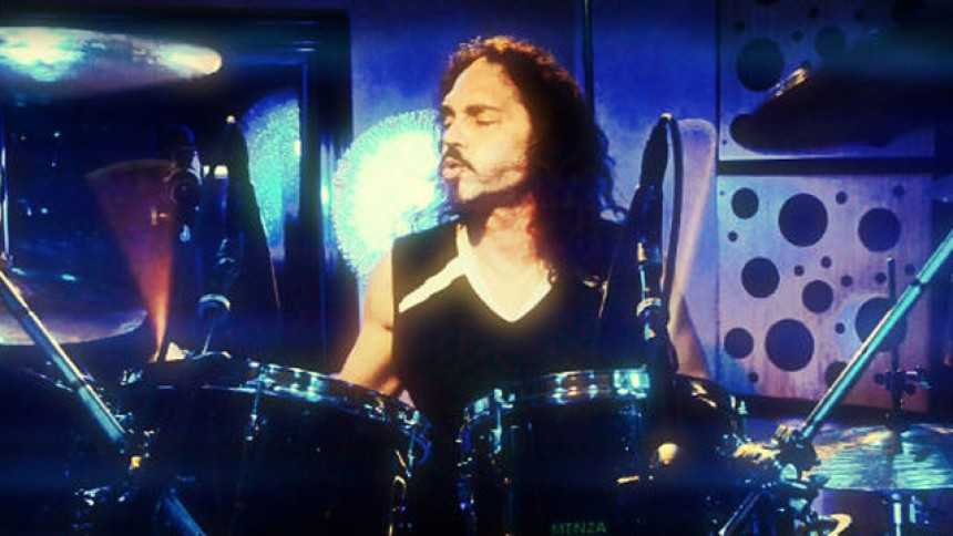 Tidligere Megadeth-trommeslager dør efter kollaps på scenen