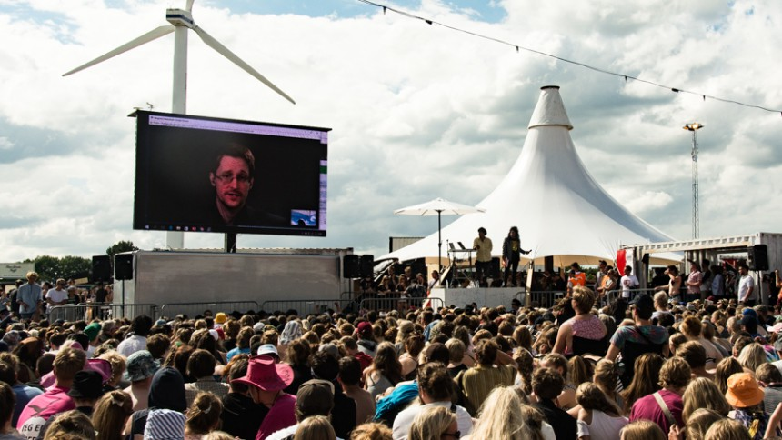 Video: Se filmen om Edward Snowden og The Yes Men på Roskilde Festival