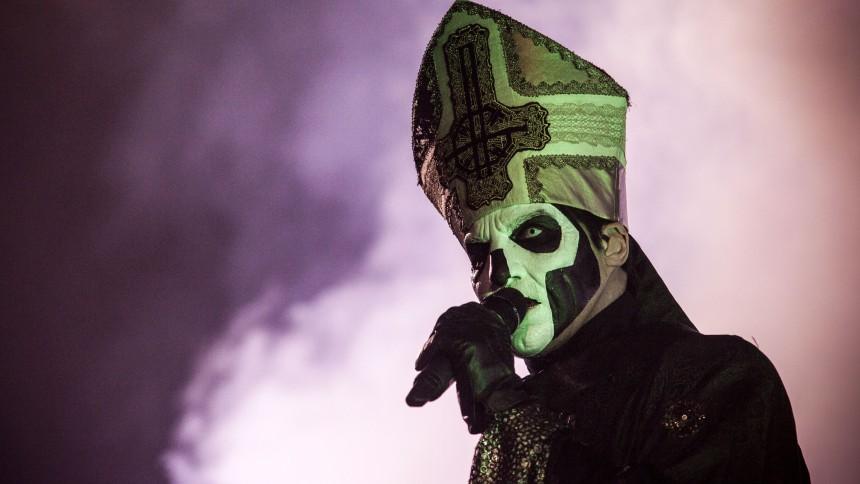 Ghost-medlemmer sagsøger bandets forsanger
