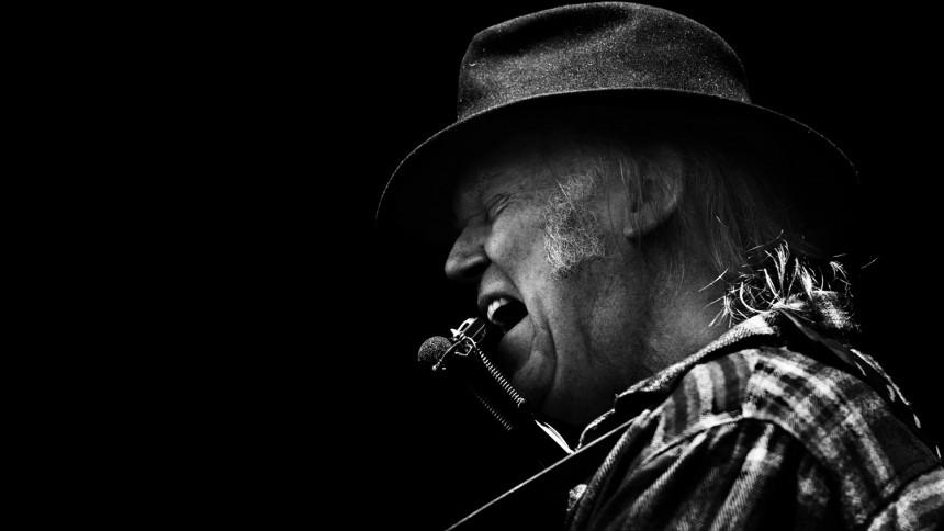 Neil Young & Crazy Horse udgiver ny single og afslører albumtitel