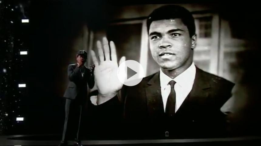 Se: Chance the Rapper hylder Muhammad Ali