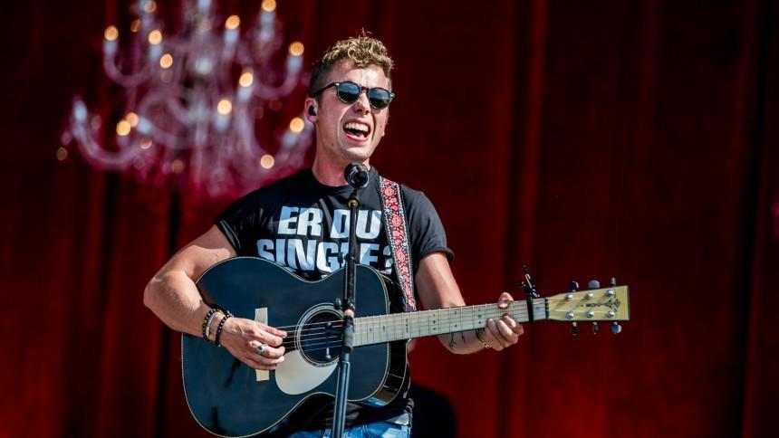 Mads Langer angriber Danish Music Awards for snæversynethed, aldersfacisme og playback