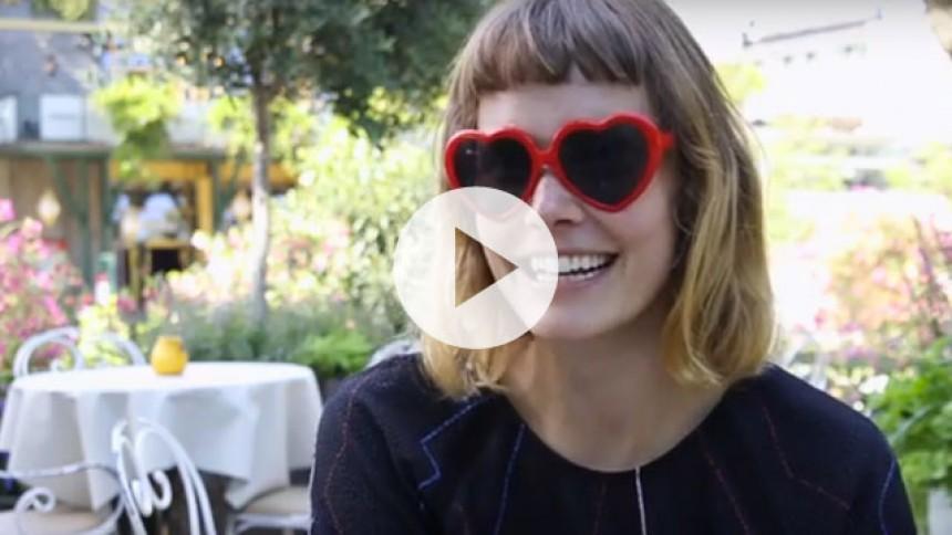 Video: Oh Land er klar til at afslutte sin Danmarksturné i Tivoli