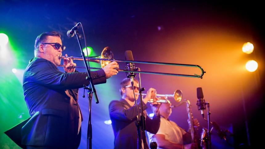 Fat Freddy's Drop giver deres største danske koncert
