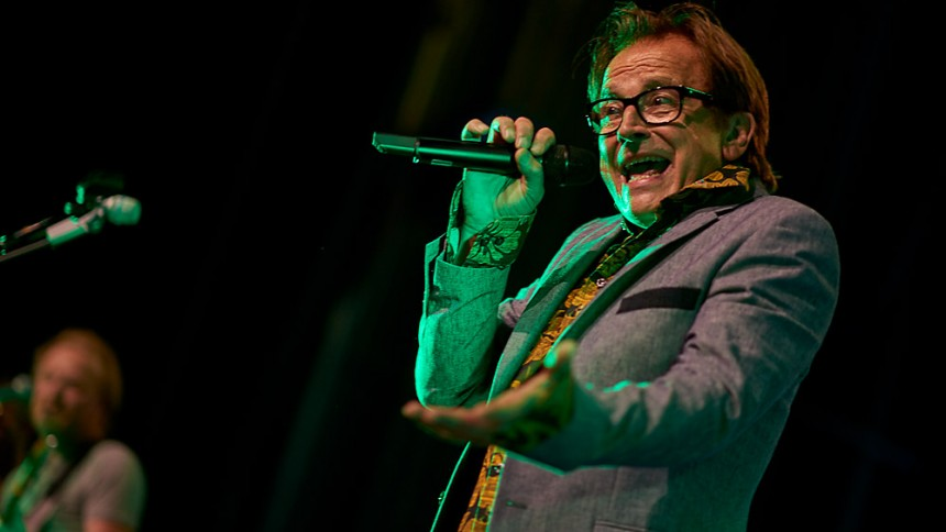 Lars H.U.G. laver musikalsk julekalender