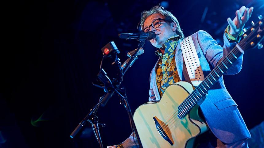 Lars H.U.G. udgiver tredobbelt livealbum