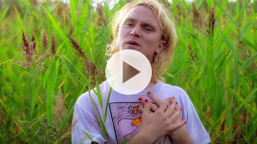 Video: Bisse anmelder livet til seks hjerter