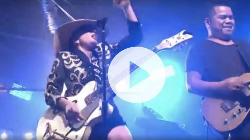 """Se Lady Gaga liveoptræde med nye """"Joanne""""-numre på miniturné"""