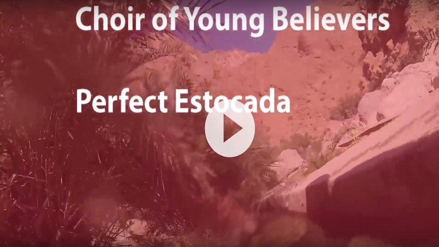 "Koncertaktuelle Choir of Young Believers udgiver DIY-musikvideo til ""Perfect Estocada"""