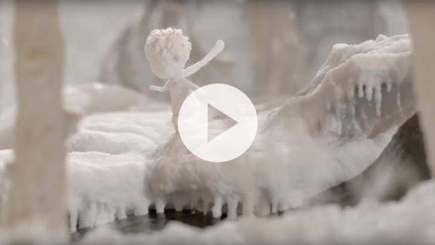 "Se koncertaktuelle Katie Meluas stemningsfulde musikvideo til ""Perfect World"""