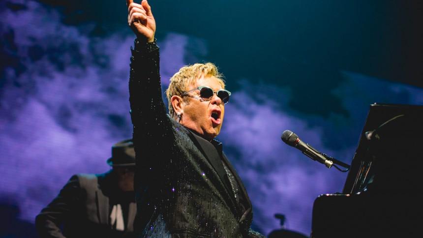Elton John annoncerer ekstrakoncert