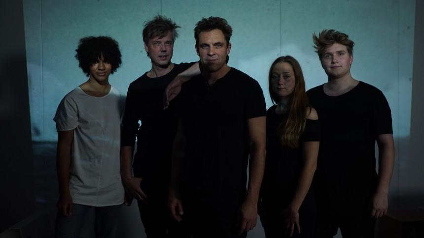 Rockbandet Dansk Fløde giver koncert på Antarktis – og skærer vinyl dér som de første