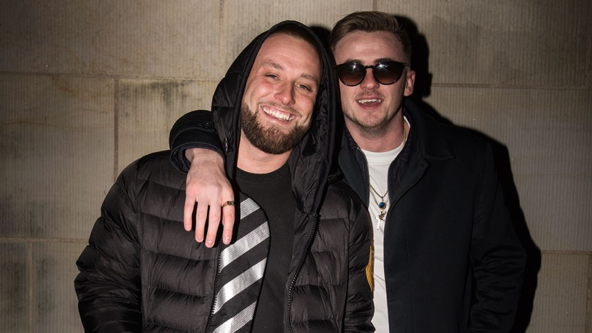 Læs stort interview med Blak, manden bag årets største danske hit – og mød også hans makker Jimilian
