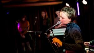 Katrine Stochholm-releasekoncert HeadQuarters 270117