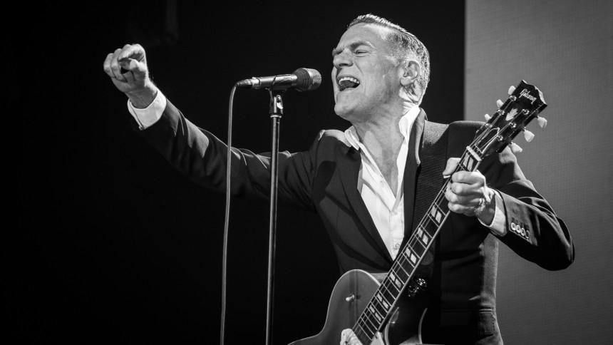 Bryan Adams giver ekstrakoncert i Danmark