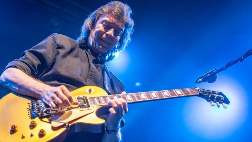Vanligt overflødighedshorn fra Genesis-guitarist