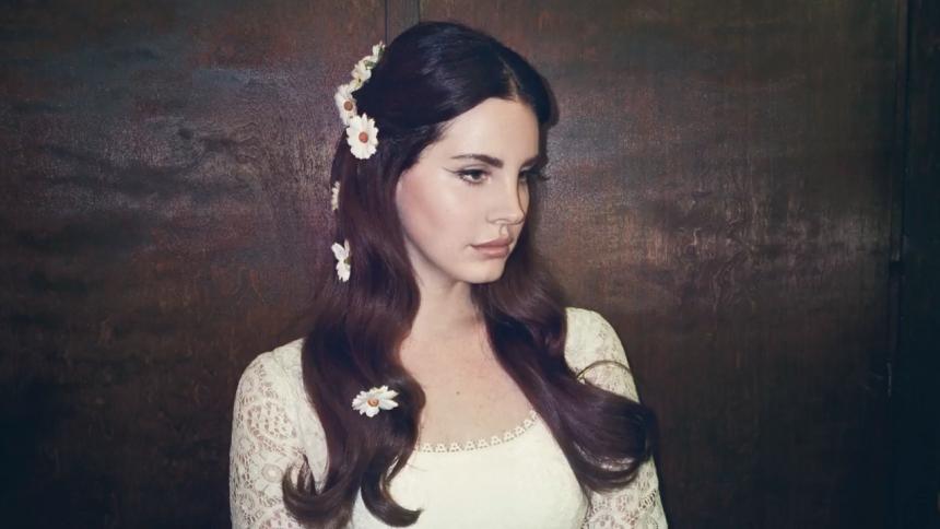 Lana Del Rey offentliggør ny sang efter masseskyderier
