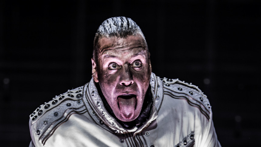 Rammstein anklages for at trivialisere Holocaust