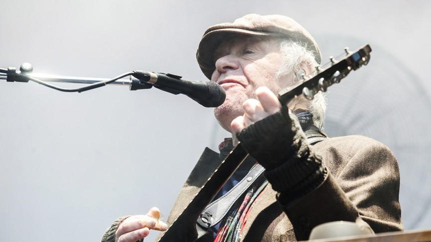 75 års fødselaren Kim Larsen bliver hyldet i Roskilde
