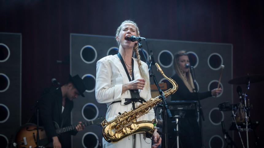 Tina Dickow giver to eksklusive koncerter – på hjemme- og udebane