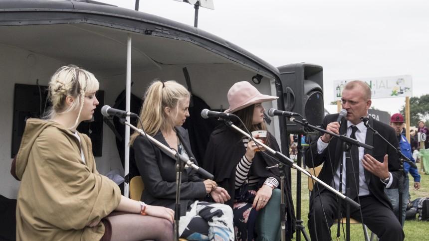 Kom helt tæt på kunstnerne til GAFFA Sessions på Roskilde Festival