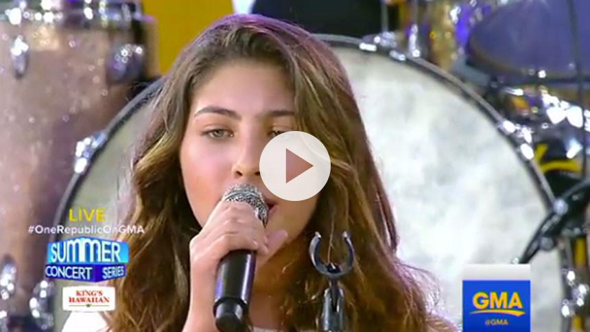 Se Chris Cornells 12-årige datter synge hyldestsang til sin far og Chester Bennington