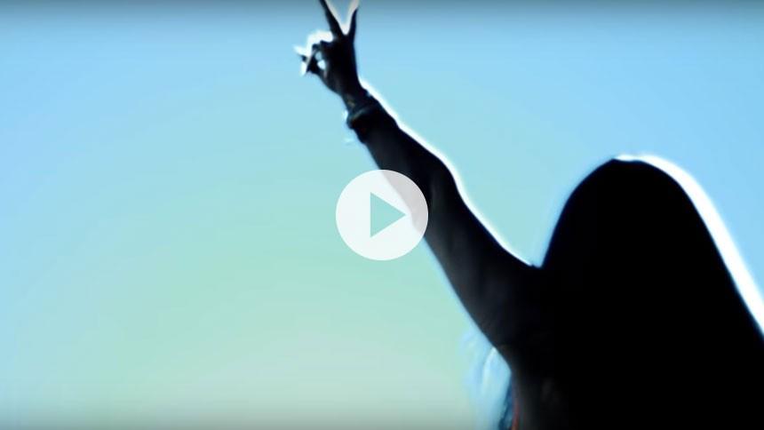 Se video: Savage Rose hylder kvinden på ny single